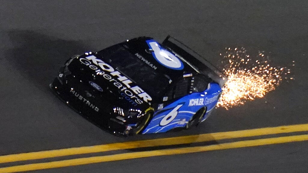 NASCAR Vegas odds expert betting picks Quaker State 400 this weekend at Atlanta Motor Speedway favorites outrights top 5 prop bets
