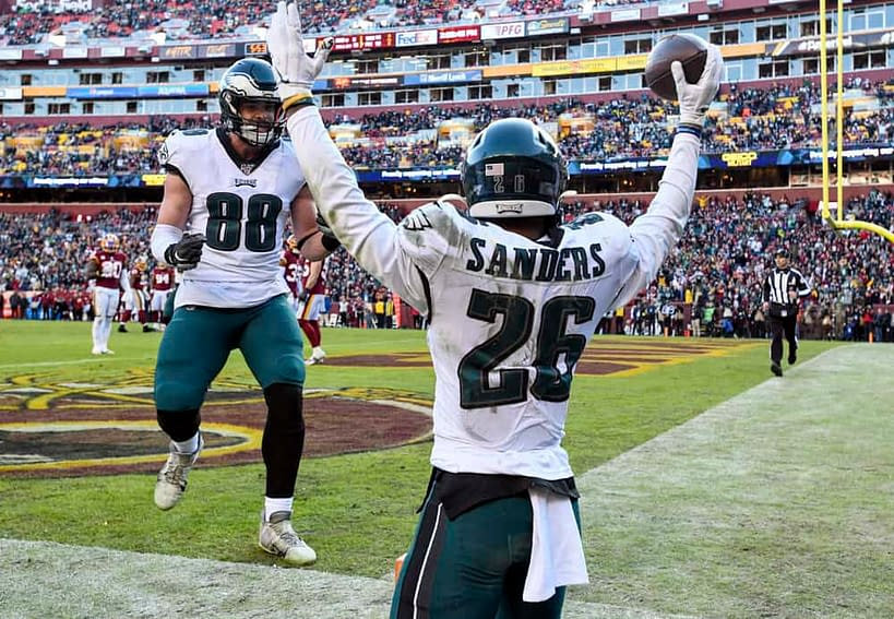Week 6 NFL best bets, betting odds, picks and predictions for TNF game Buccaneers vs. Eagles using expert betting tools & simulations